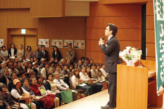 日本再建をリードする「世界の大阪」めざし、走り抜きます! (4月18日、旭区民センター)