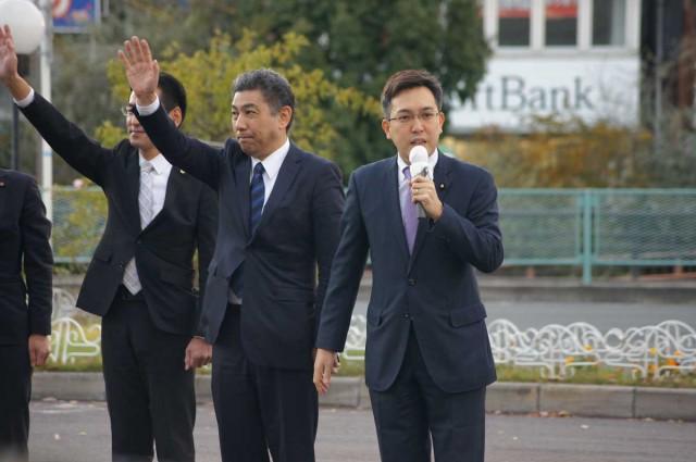 熊野せいし氏と寝屋川市で街頭演説を行う参議院議員杉ひさたけ
