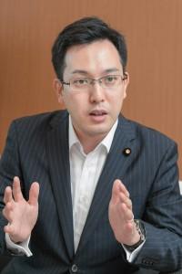 財務大臣政務官に就任した杉久武参議院議員